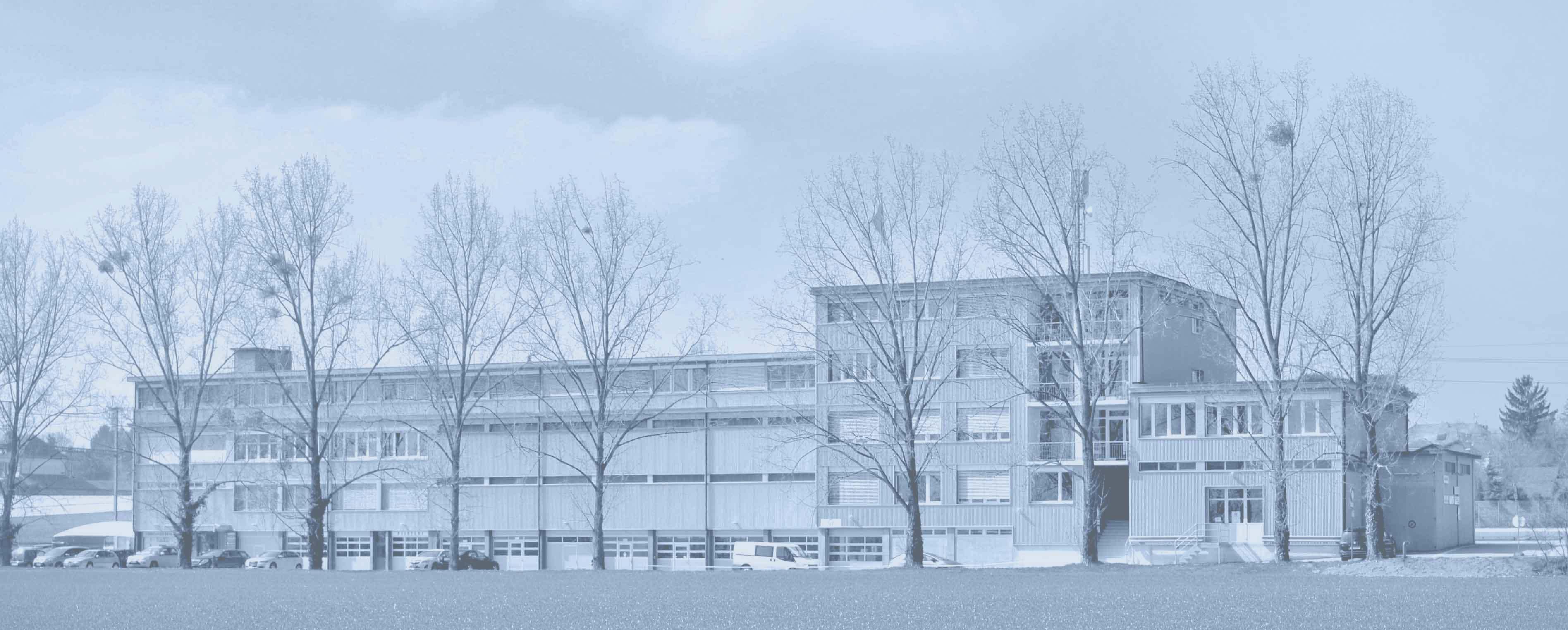 CR-Bâtiment bleu rec voilé